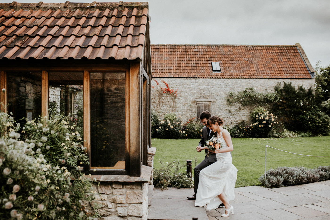 Hannah and Mark, Priston Mill Tythe Barn, Bath 10